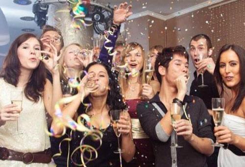 Как отметить Новый год на работе
