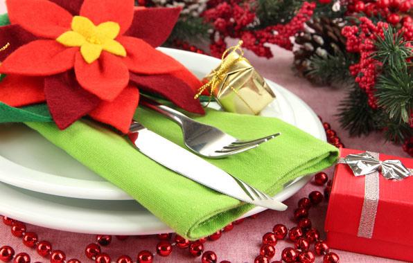 Картинки по запросу Правила оформления новогоднего стола: Жёлтая Земляная Собака будет довольна