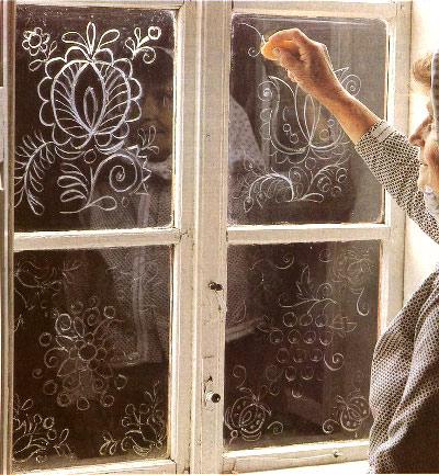 kak-ukrasit-okna-na-novyj-god-svoimi-rukami-11