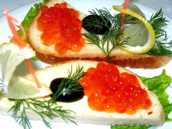 украшение бутербродов с икрой фото