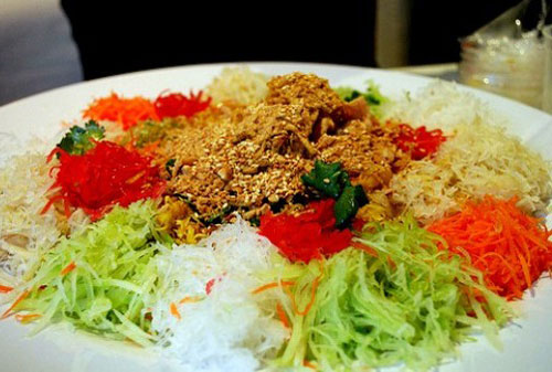 салат из сырой рыбы