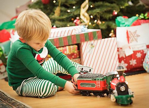 Что подарить мальчику на Новый год