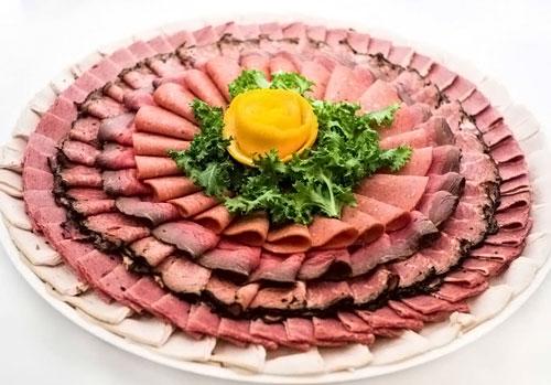 Как красиво нарезать мясную нарезку