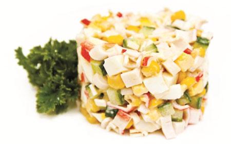 novogodnie-salaty-s-krabovymi-palochkami
