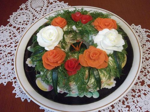 Как украсить салат оливье на новый год