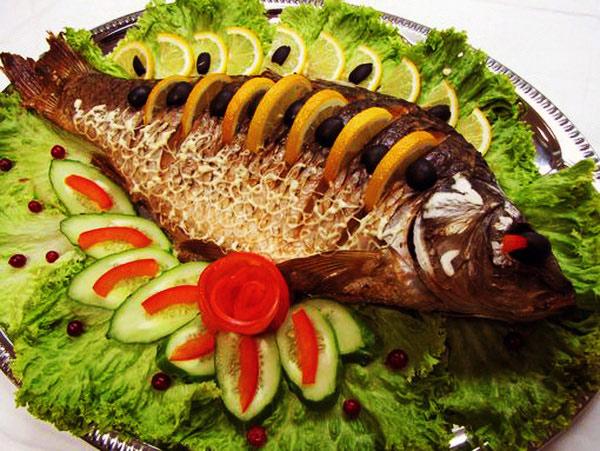 zapechennaya-ryba-na-novyj-god