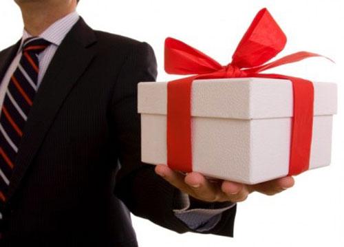 Что подарить начальнику на Новый год 2016