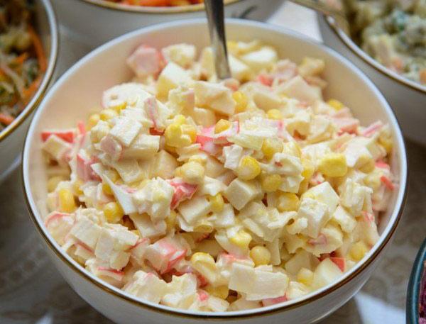 samye-vostrebovannye-salaty-na-novyj-god-4