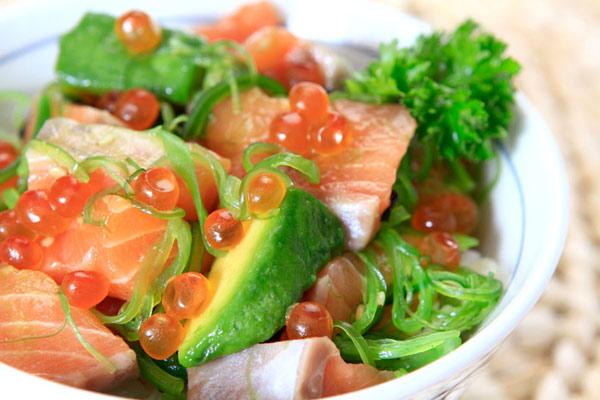 novogodnie-salaty-s-avokado-2