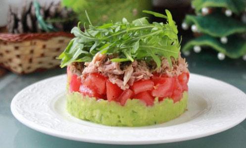 novogodnie-salaty-s-avokado-3