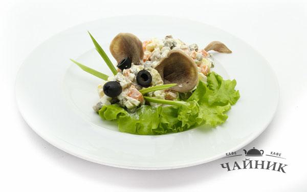 salaty-v-vide-myshi-na-novyj-god-2019-recepty-salatov-krysamysh-foto-i-ukrashenie-10