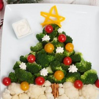 Новогодний салат Зимний сон с апельсинами и брокколи